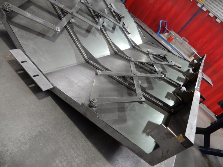 Pantographe protecteur MAKINO A77.JPG