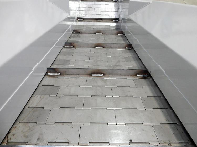 tapis-metallique-convoyeur-al-industrie1.jpg