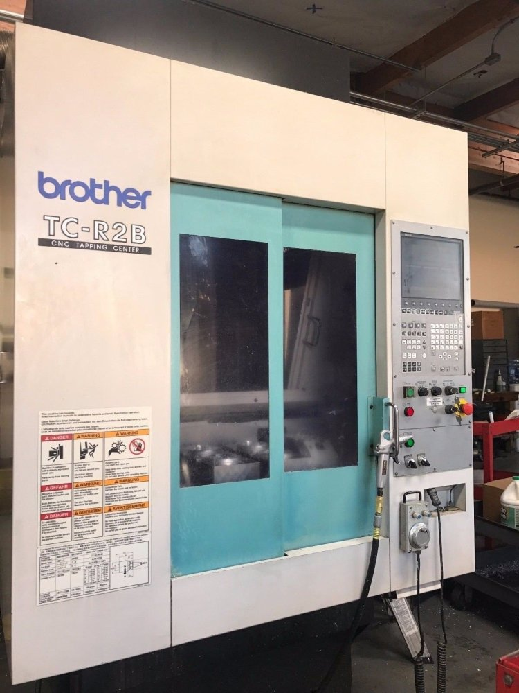 CONVOYEUR brother-tc-r2b-cnc-vertical-machining-center